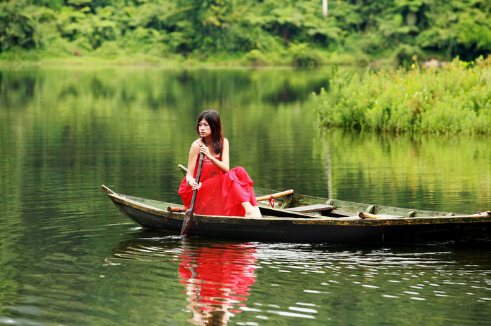 one moment in time Green Modelling Beauty In Nature Boat Fashion Model Lake Nature Outdoors Reflection Water Wooden Raft Canoe