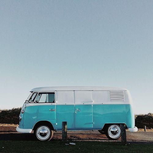 reflections of a beautiful sky Kombi Blue Sky Classic Car