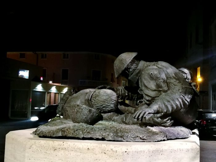 Sculpture Sculpture In The City Illuminated Night No People Cultures Outdoors Art City Bronze Sculpture Nowar War Heros No War