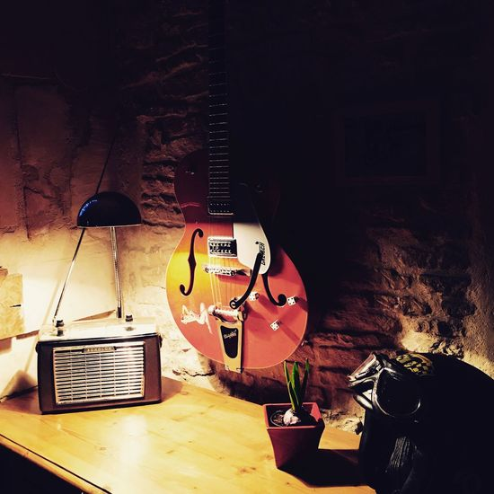 Music Guitar Home Interior Musical Instrument String Rock Music Electric Guitar Indoors  Musical Instrument Light And Shadow Radio Cocooning Oldie  Gretsch