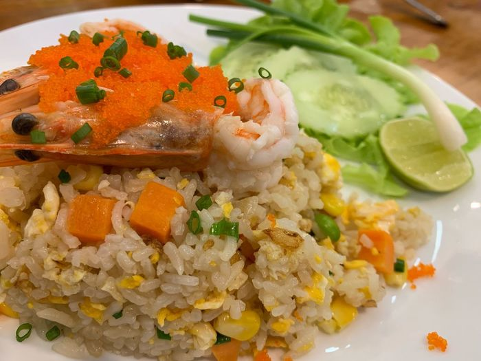 Khao pad poo Food Food And Drink Healthy Eating Wellbeing Ready-to-eat Freshness Plate Seafood Serving Size Indoors  Vegetable Rice - Food Staple Still Life Close-up Rice Asian Food Meal Fish Indulgence No People