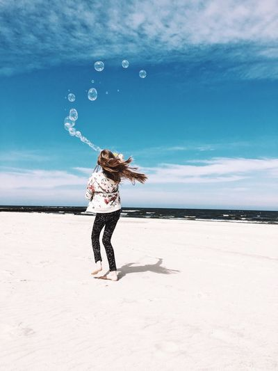 Happiness Sky Land Nature One Person Child Childhood Real People Leisure Activity Cloud - Sky Sea Water Beach Lifestyles Beauty In Nature Sand The Great Outdoors - 2018 EyeEm Awards The Traveler - 2018 EyeEm Awards