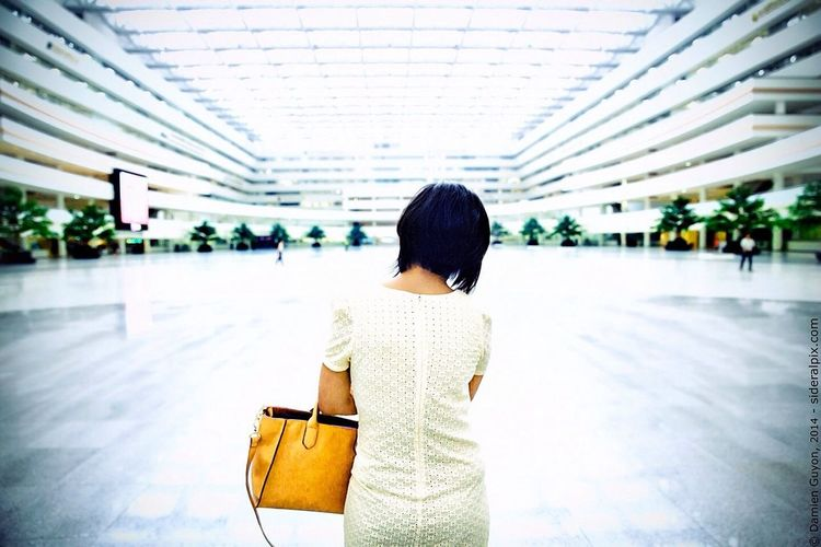 RePicture Challenge Damien Guyon - Endymion Photographies - Portrait - Website : http://endymion-photo.com Portrait Art Modern Worker Asian Girl Working Day Architectureporn White Sunlight