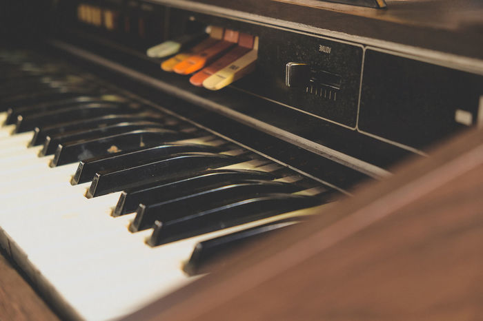 vintage piano Music Old Fashion Style Old Fashioned Vintage Style Arts Culture And Entertainment Close-up Indoors  Music Musical Instrument Musician No People Old-fashioned Technology Vintage Vintage Piano