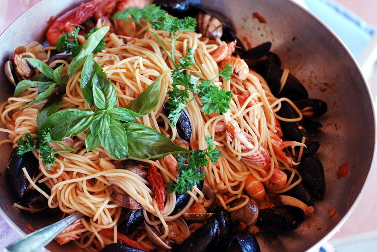 Spaghetti with seafood Seafood Spaghetti Close-up Day Food Food And Drink Food Photography Freshness Healthy Eating Indoors  Mussels No People Noodles Ready-to-eat Sardinia