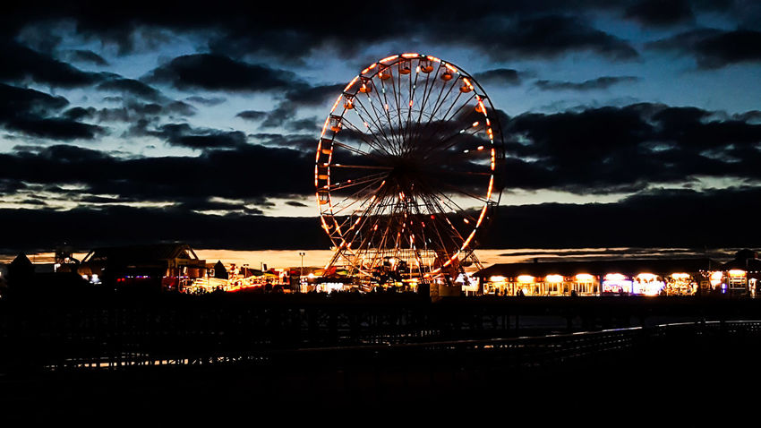 🎵Big wheel's keep on turnin, home fires keep on burnin🎵 Ferris Wheel Amusement Park Ride Amusement Park Illuminated Big Wheel Cloud - Sky Outdoors Tourism For The Love Of Photography Photography Manual Mode Photography Ferris Wheel Blackpool Blackpool Central Pier