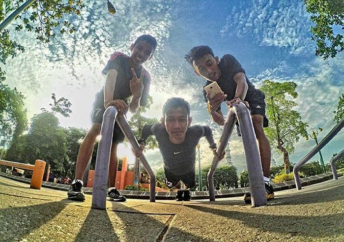 • Indahnya kota kecilku • 💪 Xiaomiyi_id Yicam HDR Machinery Xiaomiyi_indonesia indonesia INDONESIA Work Alunalunlamongan Lamongan Explorelamongan