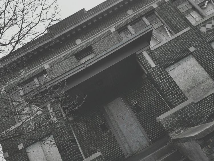 No People Sky Close-up Outdoors Walking Around Ruins Architecture Blackandwhite Streetphotography Detroit Ghetto Art Photography Cold Days Abandoned Places Abandoned Buildings Built Structure Abandoned House Urban Urban Photography Boarded Up Oldschoolhouse OldSchool❤ Brick Buildings Brick House Brickhouses Front Door