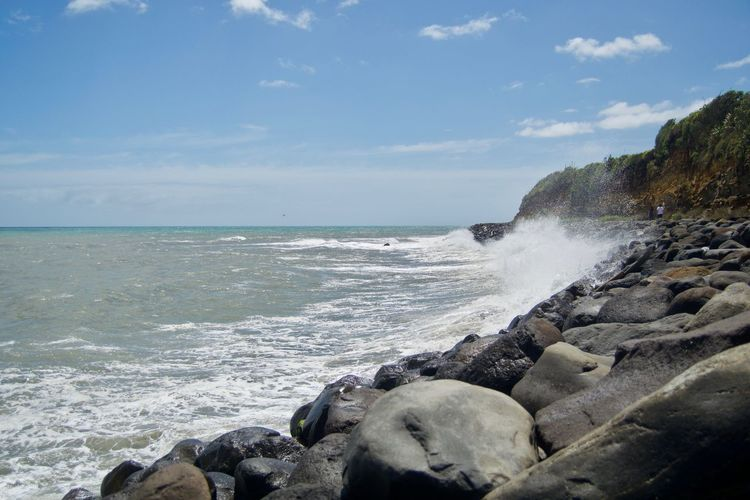 Beach Beauty In Nature Day Horizon Over Water Motion Nature No People Outdoors Rock - Object Scenics Sea Sky Travel Destinations Water Wave