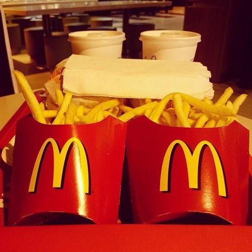 好餓... Mcdonalds Chips Meal SriLanka Colombo Dinner