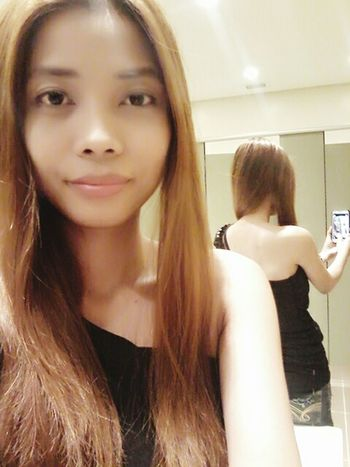 Hi! That's Me Selfiemirror Blackblouse Blondehairdontcare Reflections Shoulder Smart Simplicity Outfitoftheday Fashionstyle