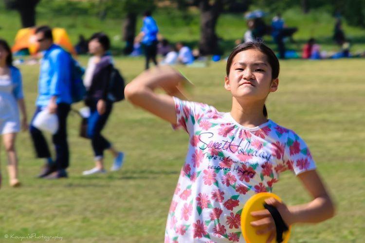 My Daughter Catch Throwing  Portrait Fun Times Picnic Playing Playground 昭和記念公園 EyeEm Best Shots