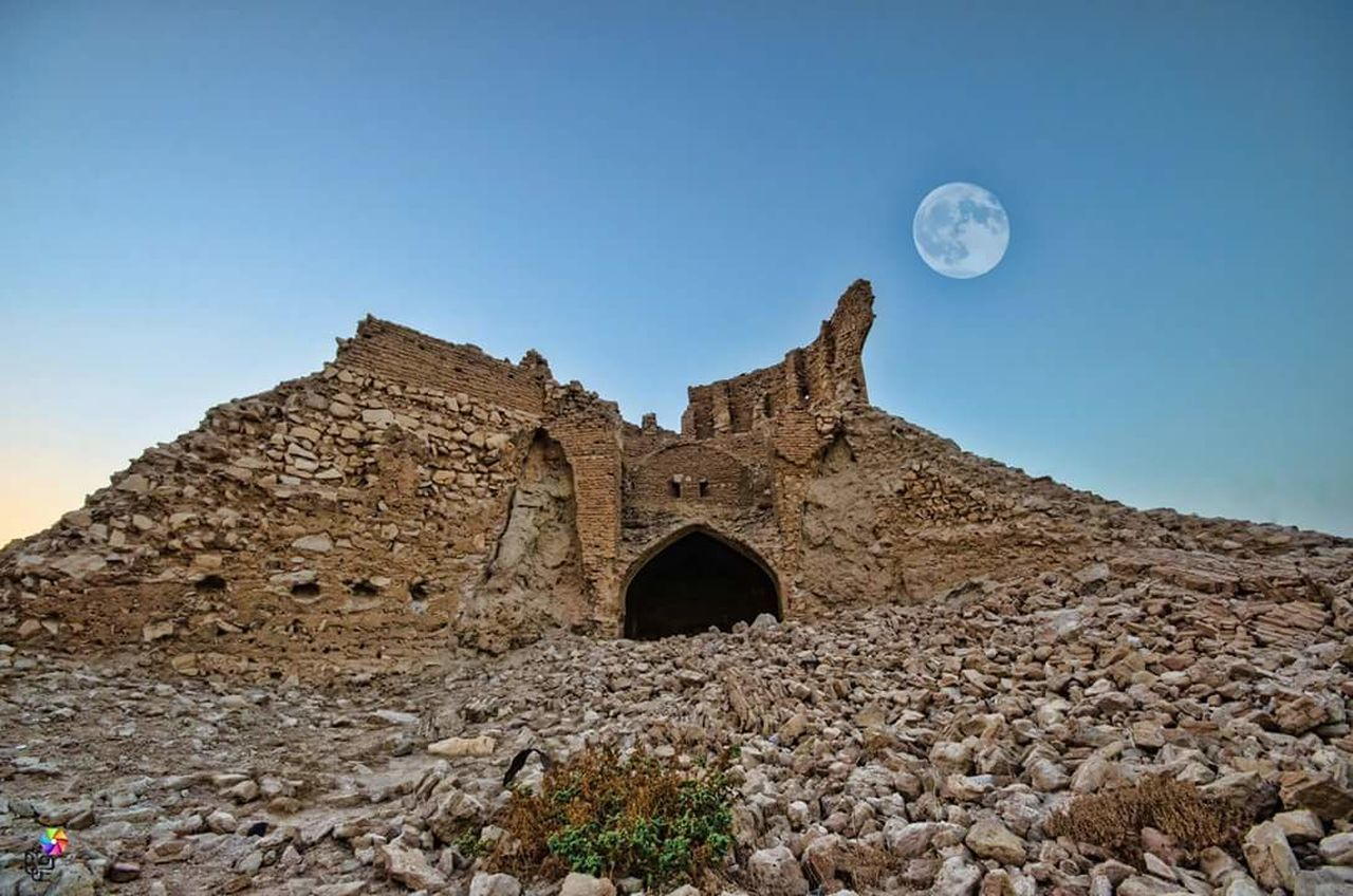 moon, history, arch, architecture, built structure, low angle view, day, old ruin, outdoors, clear sky, no people, nature, sky
