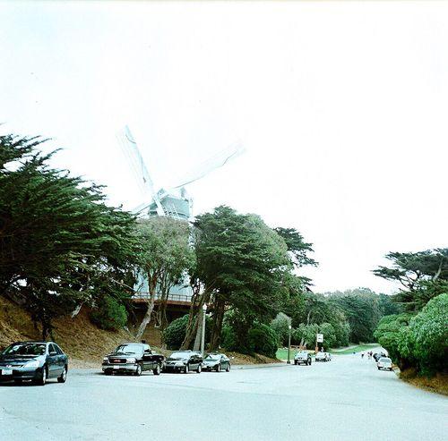 Koduckgirl Ggpark Lubitel 166+ Film Windmill Square