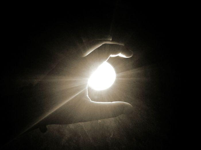 Sun Outdoors Illuminated No People Shineeworld Shinee Sun Hand Hopes And Dreams Hope - Concept Hope You Like It. Hope.✌