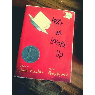 Hahaha two thumbs up! Soo love this book its like i'm looking at the mirror! Haha Ikr Criminycriminy