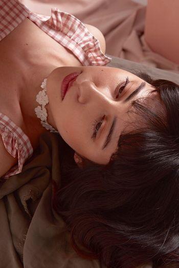 Beauty Close-up Portrait Fashion Marcfashionvn Poetic