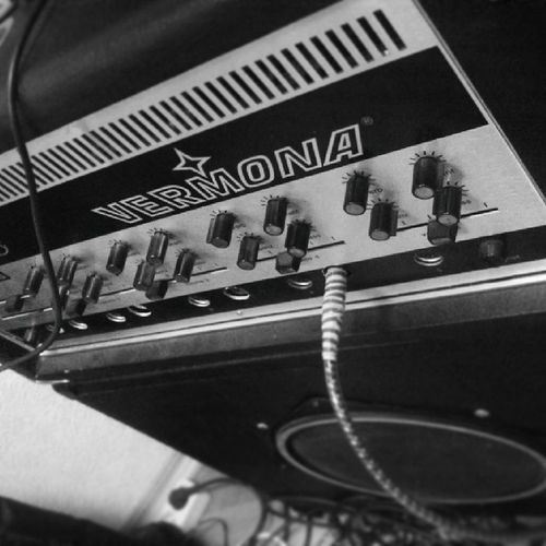 Horrible lamp amplifier Amp Vermona Studio Music bnw