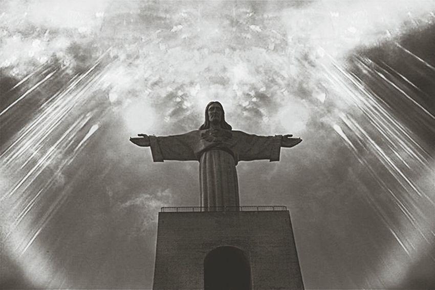 Divine. Portugaldenorteasul EyeEm Best Shots EyeEm Best Shots - Everything Wet Bw_collection
