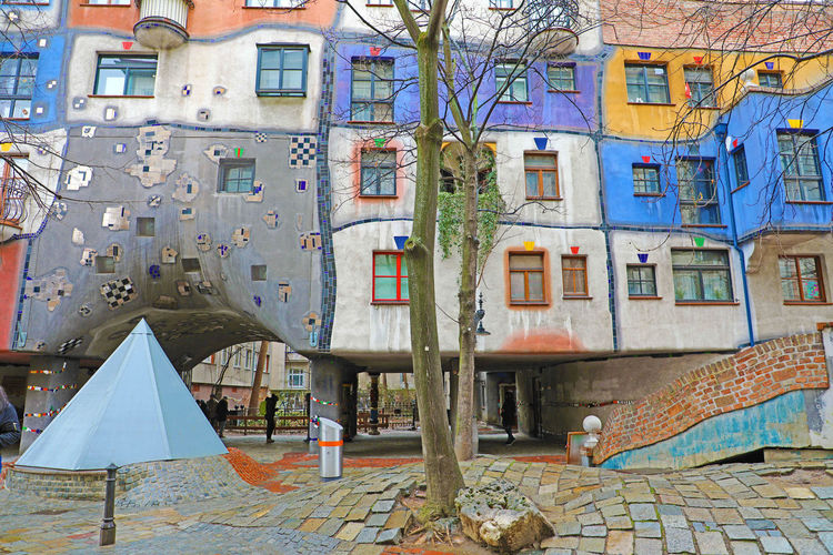 Hundertwasser house in Vienna, Austria Architecture Built Structure Building Exterior Building City No People Day Outdoors Residential District Window Apartment Hundertwasser House In Vienna, Austria Hundertwasser House Vienna Hundertwasser House Hundertwasser Hundertwasserhaus Hundertwasser-Haus Hundertwasserbahnhof Hundertwasser Museum Vienna Vienna_city Vienna, Austria Vienna Austria Vienna <3 Vienna View