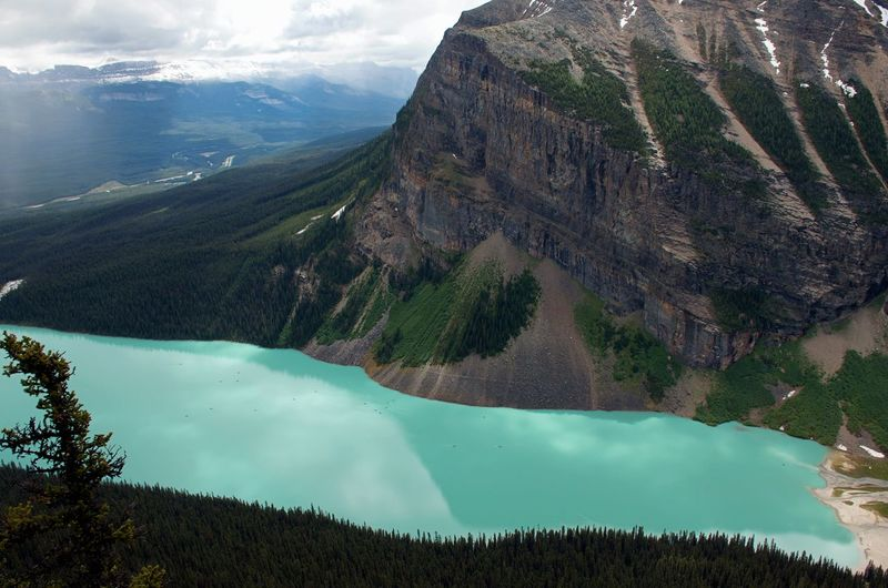 Amazing View Banff National Park  Breathtaking Canadian Rockies  Cloudy Hiking Tranquility Travel Adventure Glacial Lake Lake At The Foot Of A Mountain Lake Louise  Landscape Mountain Range Reflection Lake Turquoise My Best Travel Photo