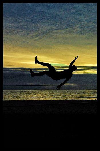 Adventure Club Slackline Relaxing Enjoying Life Travel Descanso Beach Beach Life Sunset Slackvida Sun Arena Slacklife Tricks Equilibrio Giros Relax Relaxing Sand Tricks Playa Sky Clouds Nature