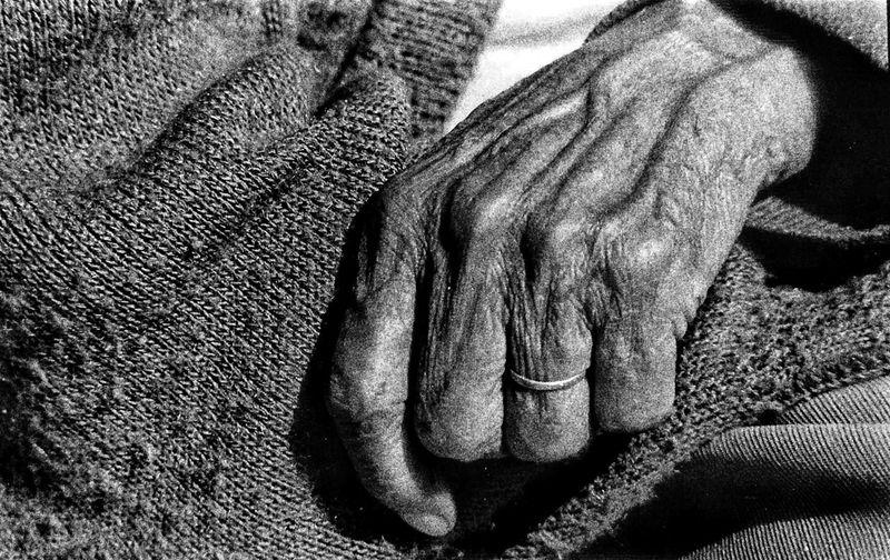 Líneas de vida Human Body Part Close-up Indoors  One Person Day Human Hand People Blackandwhite Black & White Blackandwhite Photography Analog Camera Analogue Analogue Photography Film Photography Filmisnotdead Kodak Tri-X 400 CanonA1 Analog Film Analogic Black And White Portrait