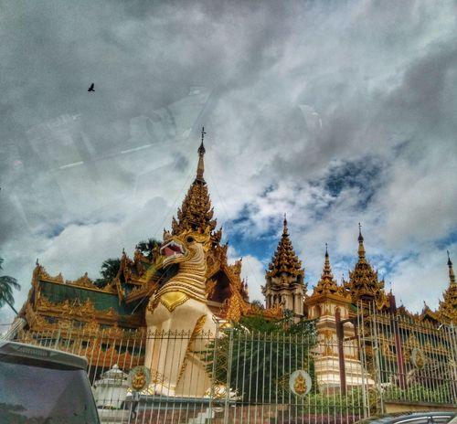 Lost In The Landscape Architecture Religion Built Structure Shwedagon Pagoda Shwedagon Shwedagonpagoda Smart Phone Smartphonephotography Smartphone Photography The Week On EyeEm