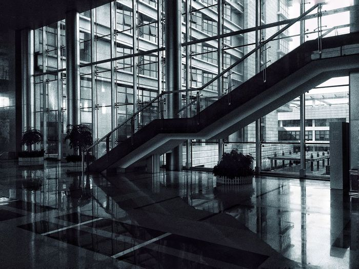 Buildings Modern Architecture Indoors  Built Structure Building Atrium No People Monochrome Stairs