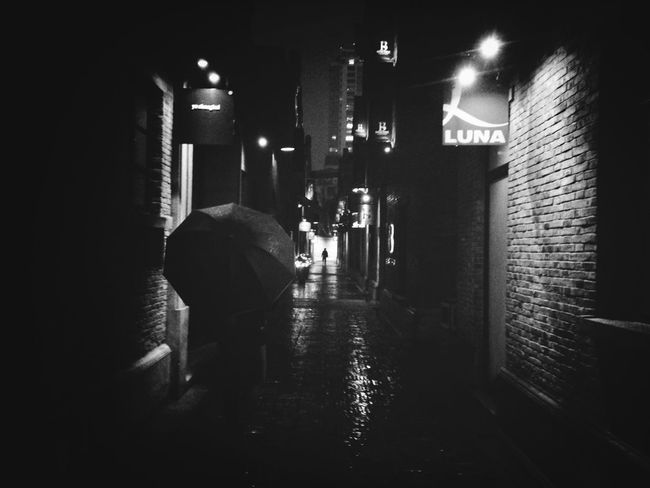 Streetphotography Black And White Backstreets & Alleyways Mission Mystery