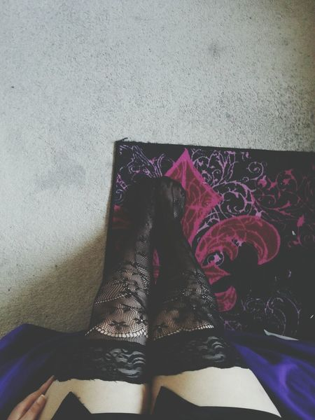 pleasepleaseplease excuse my disgusting Thighs but i really love these Stockings