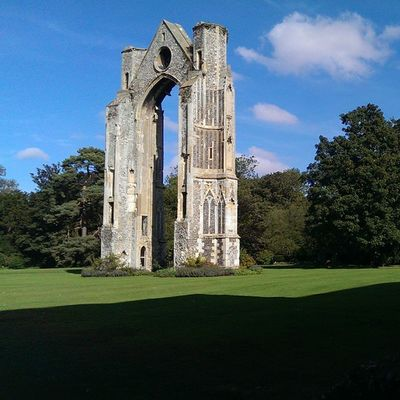 Walshingham Walshinghamgrounds Walshinghamabbey Grounds green shadow arch ruins footpath HTC htc1 dayout