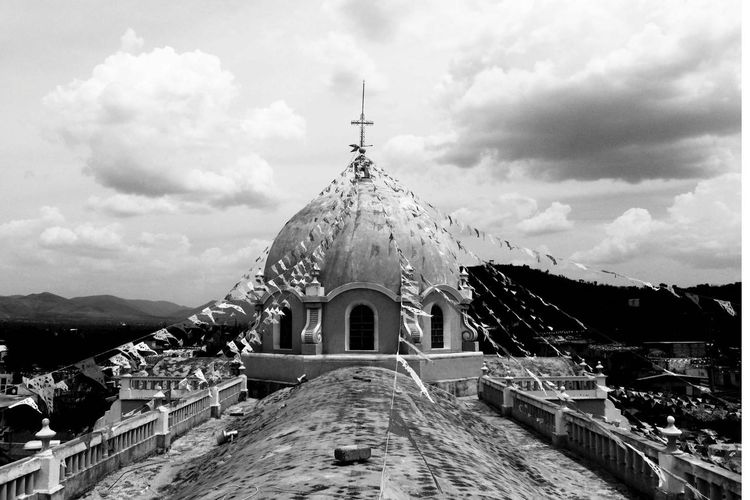 inglesia de San Gabriel Arcángel ( Tetzoyocan Puebla) Place Of Worship Dome Spirituality Religion Cross Sky Architecture Building Exterior