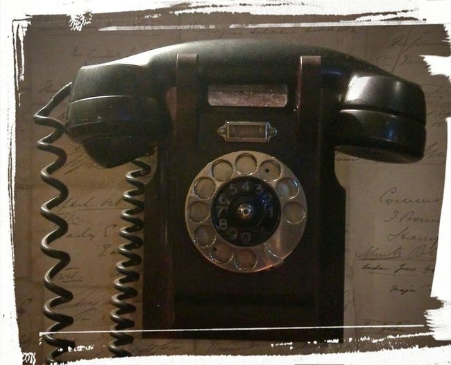 i was born to love you and I just call to say I love you... Telephone Photography BackTime Love ♥ Feelings Feel Moment Moment Lovely Lovelovelove LoVe To Love Photo Waiting ... Black Numbers Comunication To Speak