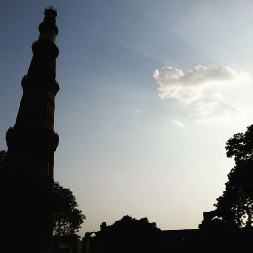 Delhi Sexycapture QutubMinar Crazyweather Awesomebackground