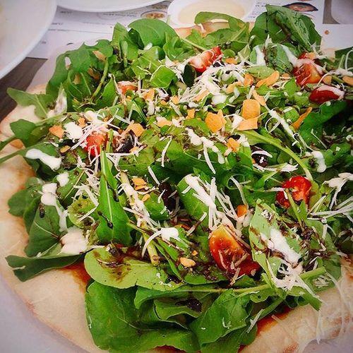 비스트로마리오 Bistromario 루꼴라피자 Arugula 루꼴라 튀긴마늘 올리브의 조화 흥분해서흔들림 😅 내입맛엔최고의피자 루꼴라💘 먹스타그램 Instafood Foodie Pizza