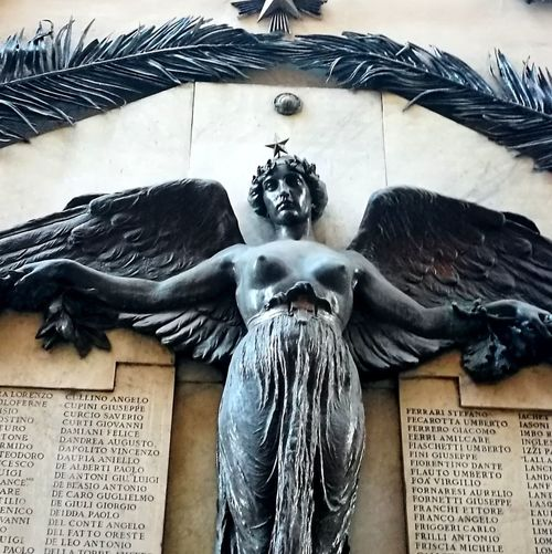 Italia Smartphonephotography Liberty Live For The Story Historical Building Postcode Postcards Statuary Bronzo