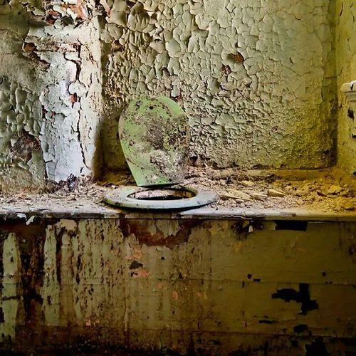 Worldtoiletday Toilet Toilette Klo 00 abort lostplace hütte