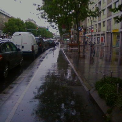 Citycycling in the rain. Not funny at all!