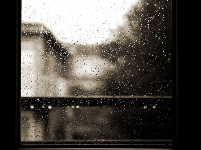 Le Tréport sous la pluie Pluie D'été Fenêtre Pluie Water Backgrounds Full Frame Frosted Glass Window Drop Close-up Sky Water Drop RainDrop Glass Rain Droplet