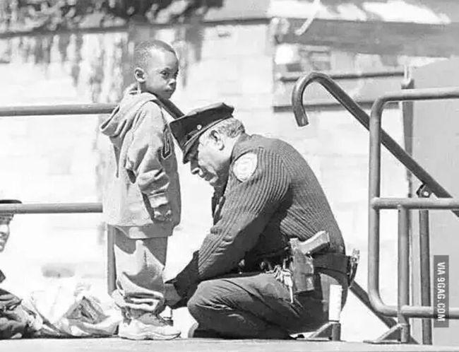 Blackandwhite Polis Yardım Sevgi ❤✌