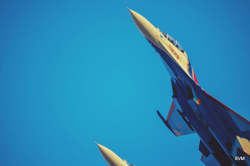 The Russian Knights @ the Bahrain Air Show. Jet Life ✈ Russian Stunt Skyline