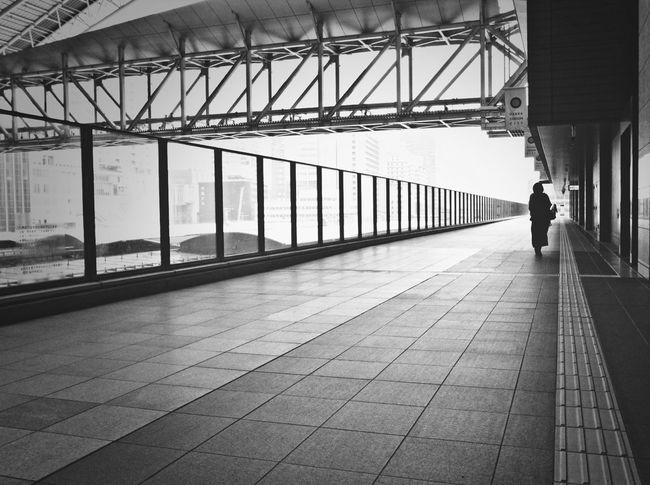 Osaka Station Streetphotography_bw The Street Photographer - 2014 EyeEm Awards People