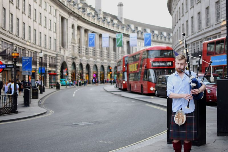 Scottish music Standing Architecture Scotland Scottish Outdoors United Kingdom Uk Portrait London Lifestyle Photo Of The Day Music London City Of London Europe England Central London Photography Musician Photoshoot Sunlight City Life LONDON❤ Building Exterior Men