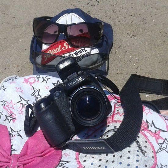 Presentes en nuestros viajes :) Cámara Lentes Gorra Cool sunglasses fashion