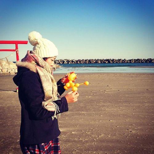 5年前 の今日 忘れられない日 私は私にできることを。 私の力で少しでも明るい場所を増やしていきたい。 3月11日 東日本大震災 ここも津波が来た場所 そして私が活動している場所 福島 バルーン 風船 Balloon 海 Sea 砂浜