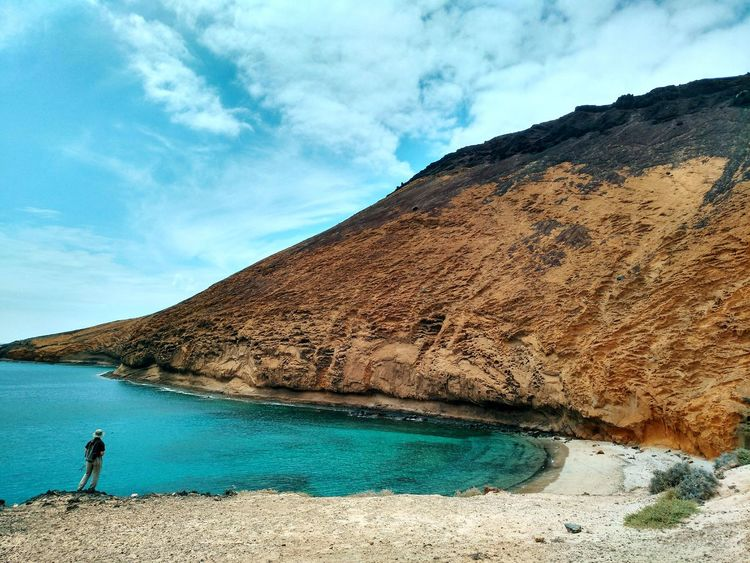 Playa Montana Amarilla, Mai 2017🏜🌋 La Graciosa Lanzarote Canary Islands Canarias SPAIN Nature Outdoors Mountain Landscape Moments Vulcan Vulcano Vulcano Island Lagraciosa Isle Beach Playa Ocean Atlantic Atlantic Ocean Ocean View Great View From Where I Stand Outdoor Hiking Live For The Story The Great Outdoors - 2017 EyeEm Awards