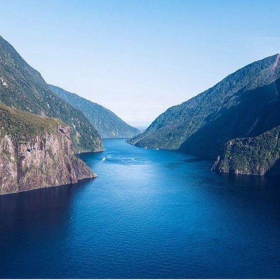 🎈👻 Bridge Sky Blue Lac Water Beautiful