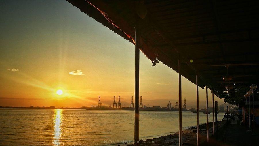 Sunrise.. #MobilePhotography #Sunrise #naturelove Water Sea Sun Sky Horizon Over Water Cloud - Sky