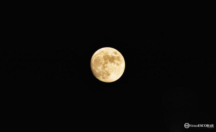 Mi luna , tu luna , nuestra luna... Clouds And Sky Change Your Perspective Landscape Relaxing